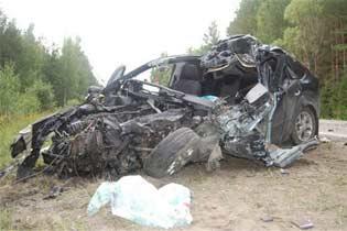 ДТП В Курской обл. : KIA Sorento лоб в лоб с грузовиком Vovlo - погибли четверо, из них двое детей (ФОТО)