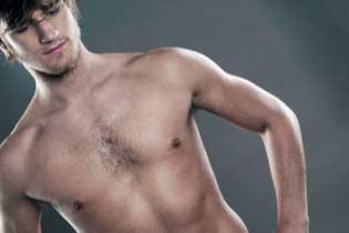 Женщины не любят мужскую волосатую грудь.